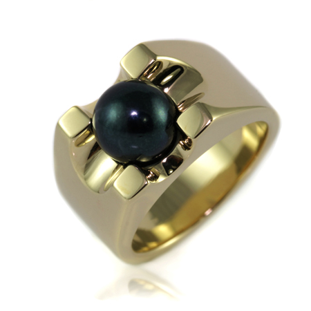 Custom-made-black-pearl-pinky-ring-bentley-de-lisle-1.jpg