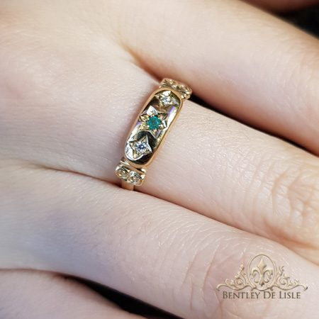 Emerald-vintage-style-star-set-ring-bentley-de-lisle