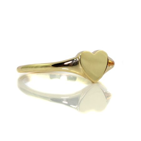 Heart-signet-ring-yellow-gold-bentley-de-lisle.jpg