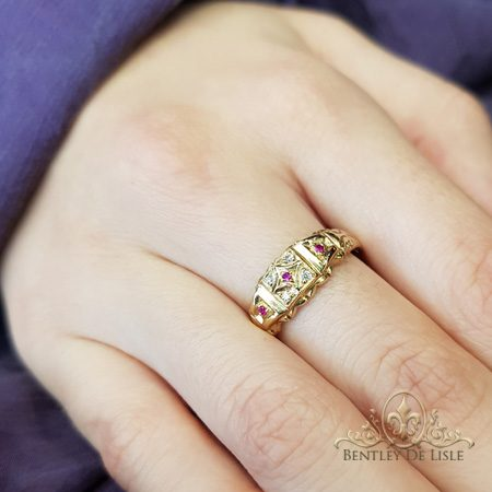 Ruby-small-vintage-style-ring-bentley-de-lisle