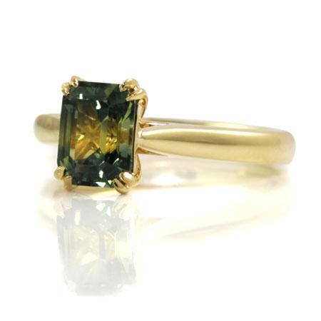 Custom-made-parti-sapphire-engagement-ring-bentley-de-lisle-yellow-gold-band