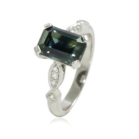 Parti-sapphire-platinum-engagement-ring-bentley-de-lisle