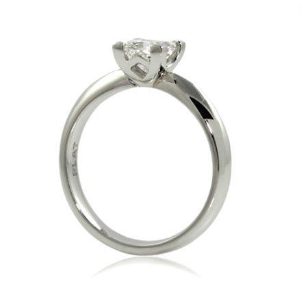 Princess-cut-diamond-engagement-ring-86-point-platinum-bentley-de-lisle