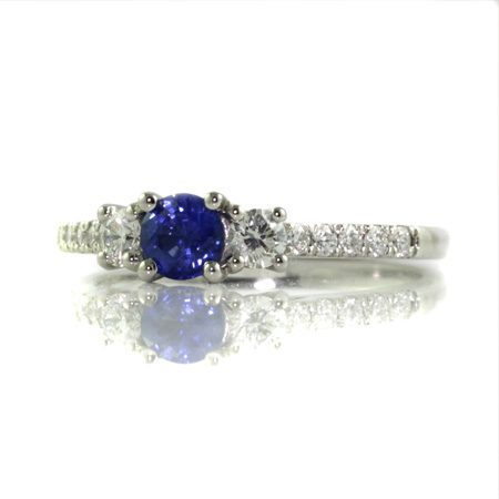 Ceylon-blue-sapphire-diamond-engagement-ring-bentley-de-lisle