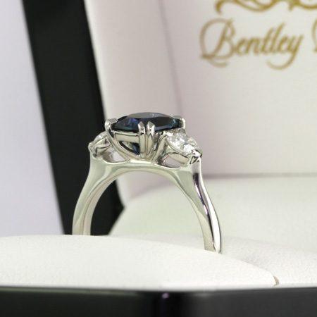 Sapphire-diamond-three-stone-ring-bentley-de-lisle