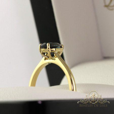 Teal-sapphire-pear-shape-engagemnet-ring-Brisbane-bentley-de-lisle