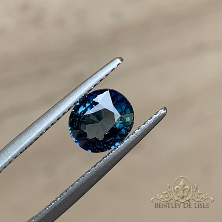 1.52ct-natural-teal-blue-oval-sapphire-bentley-de-lisle