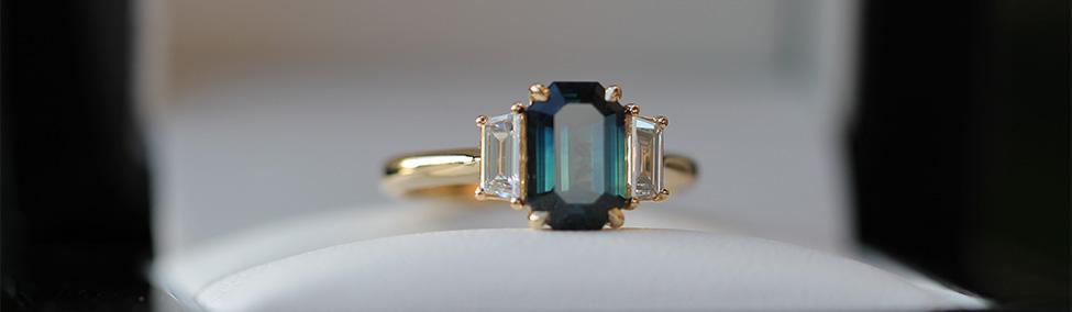 Sapphire-three-stone-narrow-crop-bentley-de-lisle