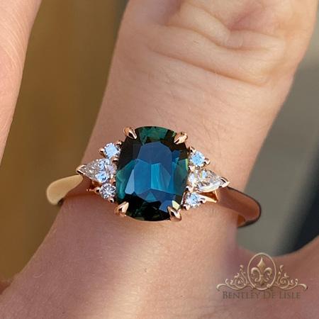 Green-sapphire-diamond-ring-Brisbane-bentley-de-lisle
