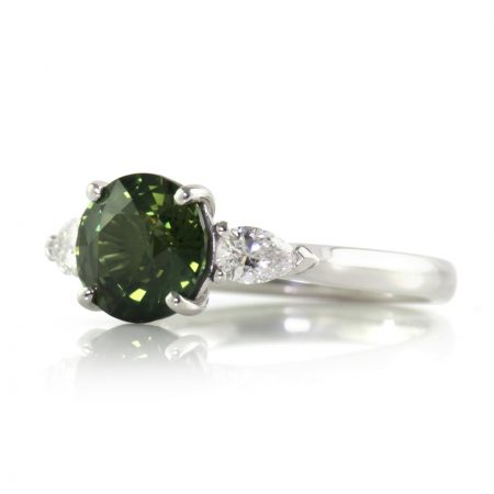 2.51ct-forest-green-round-sapphire-ring-bentley-de-lisle-jewellers