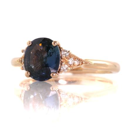 Oval-sapphire-rose-gold-vintage-style-ring-bentley-de-lisle