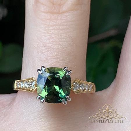 Parti-Green-Sapphire-Cushion-Sapphire-Ring-hand-bentley-de-lisle