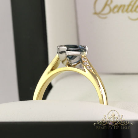 Pear-shaped-blue-sapphire-ring-Paddington-bentley-de-lisle