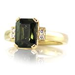 Green-scissor-cut-sapphire-ring-bentley-de-lisle-jewellers