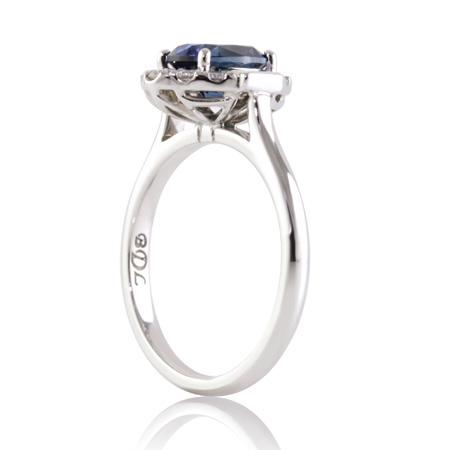 Blue-sapphire-vintage-style-ring-side-bentley-de-lisle