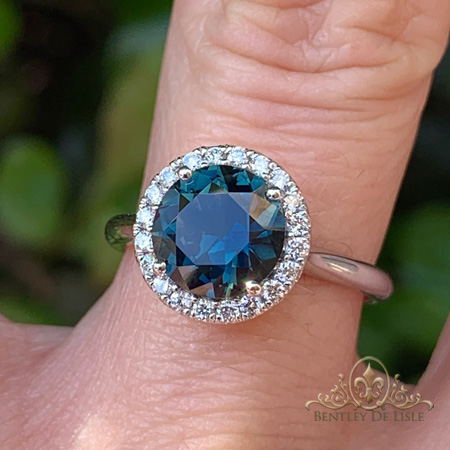 Teal-Sapphire-White-Gold-Halo-Engagement-Ring-bentley-de-lisle