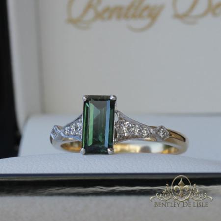 Green-sapphire-vintage-style-brisbane-box-engagement-ring