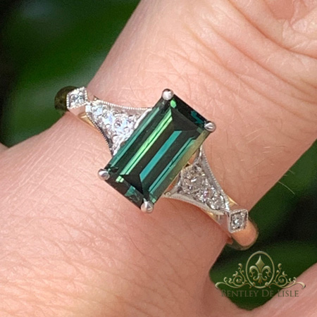 Green-sapphire-vintage-style-brisbane-engagement-ring