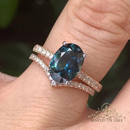 Teal-green-sapphire-diamond-ring-rose-gold-fitted-wedder-bentley-de-lisle