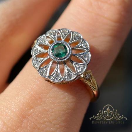 Art-deco-emerald-flower-cluster-ring-Paddington-bentley-de-lisle