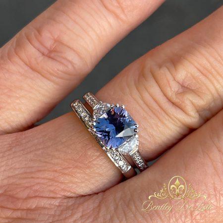 Violet-blue-sapphire-diamond-ring-hand-bentley-de-lisle-900px